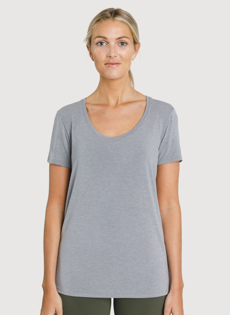 Kit Tech Jersey Scoop Tee, Heather Light Grey | Kit and Ace