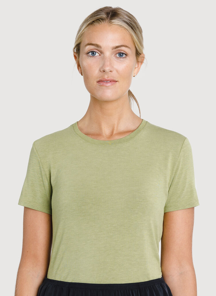 Kit Tech Jersey V Tee Slim Fit, HTHR Sweet Grass | Kit and Ace